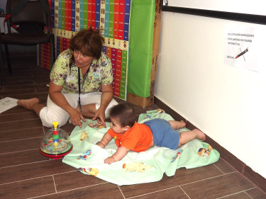 Las madres asistentes recibieron técnicas para mejorar la estimulación de sus hijos.