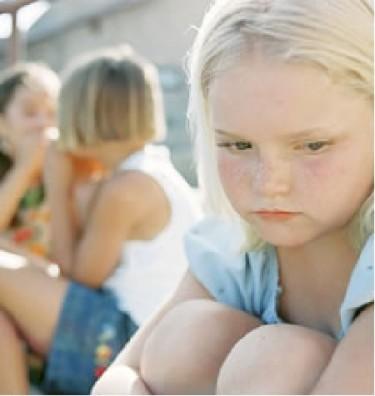Inscribirlos en talleres extra escolares, artísticos  y/o deportivos ayudan para lograr amigos a los niños.
