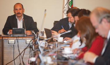 Fernando Verdugo desde ayer se ubica en la testera del Consejo Regional.